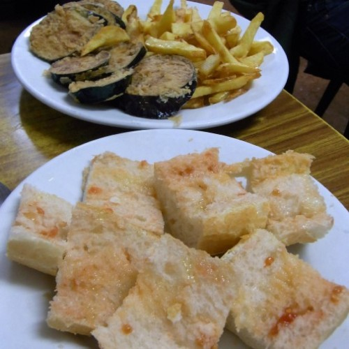 Pa amd tomaquet, fried aubergines and chips at Can Maño, Barceloneta, Barcelona