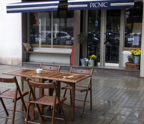 Entrance to Picnic cafe, Born, Barcelona - A Barcelona food blog, Claire Gledhill